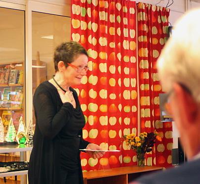 Anita Mariasdotter läser sina två dikter Smålandssmycken samt Längtan.